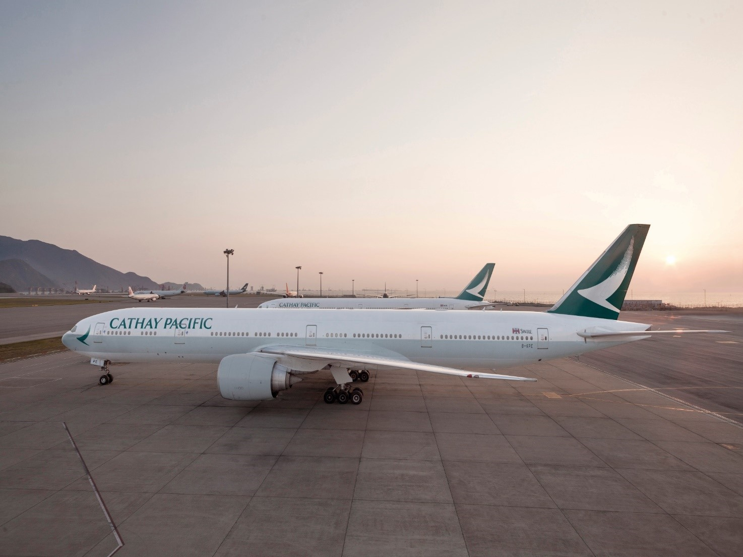 Cathay pacific celebrates 5 years of service in maldives maldives business review - Cathay pacific head office ...